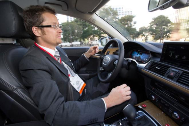 Audi trình diện hệ thống tự đỗ tại triển lãm điện tử tiêu dùng 2013 tại Las Vegas.